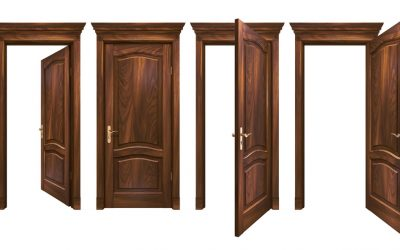 Five popular wood types for luxury solid wood doors